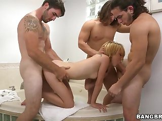 Dakota Skye in a wild hardcore foursome